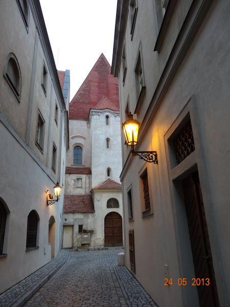 stare_mesto_pruchody-08