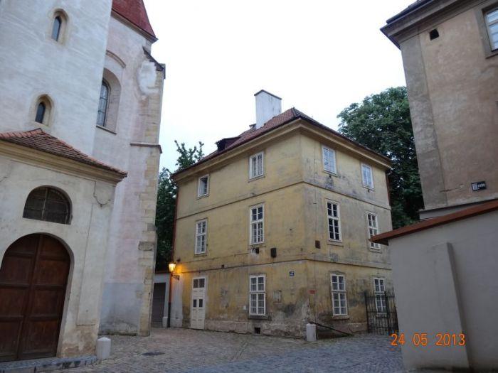 stare_mesto_pruchody-09