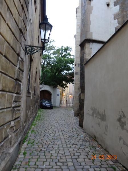 stare_mesto_pruchody-03